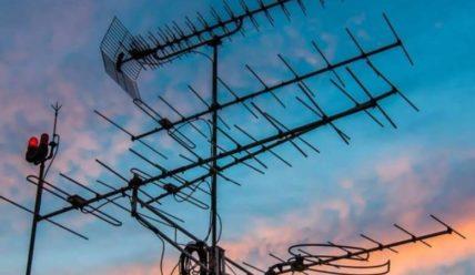 Как усилить сигнал цифровой антенны и куда ее направлять